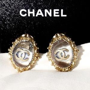 Chanel Clear Gripoix Glass CC Logo Earrings